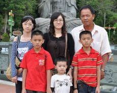 parents-Looi Ai Peng